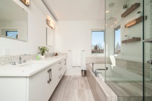 Natural Cleaning Products: Shower and Bathtub